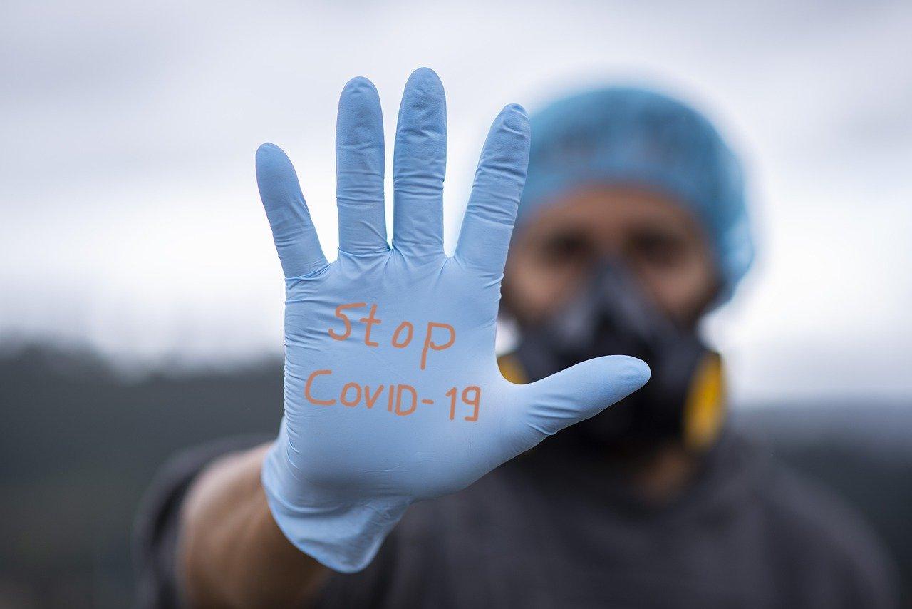 Науката, а не популизмът, ще ни спаси от епидемията