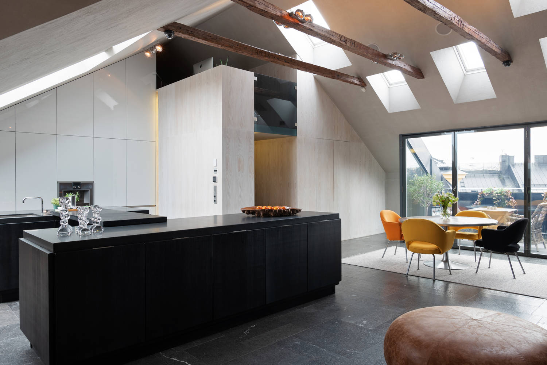 Впечатляващ интериор под покрива