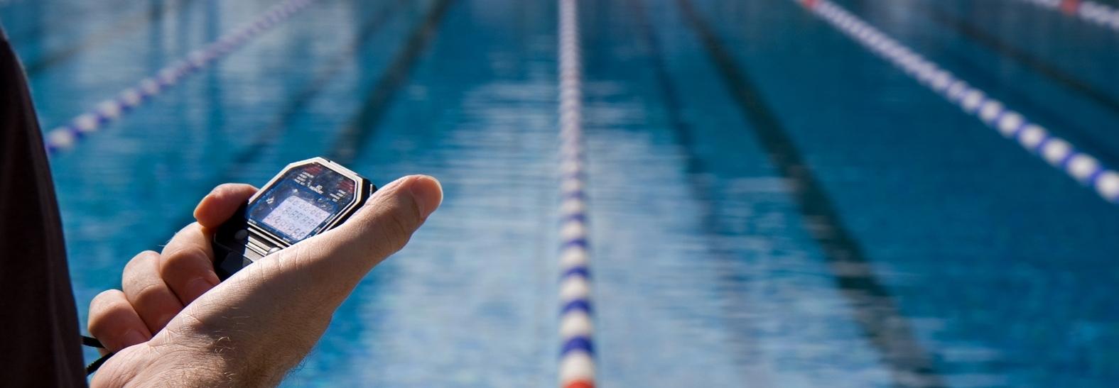 Как да изберете треньор по плуване