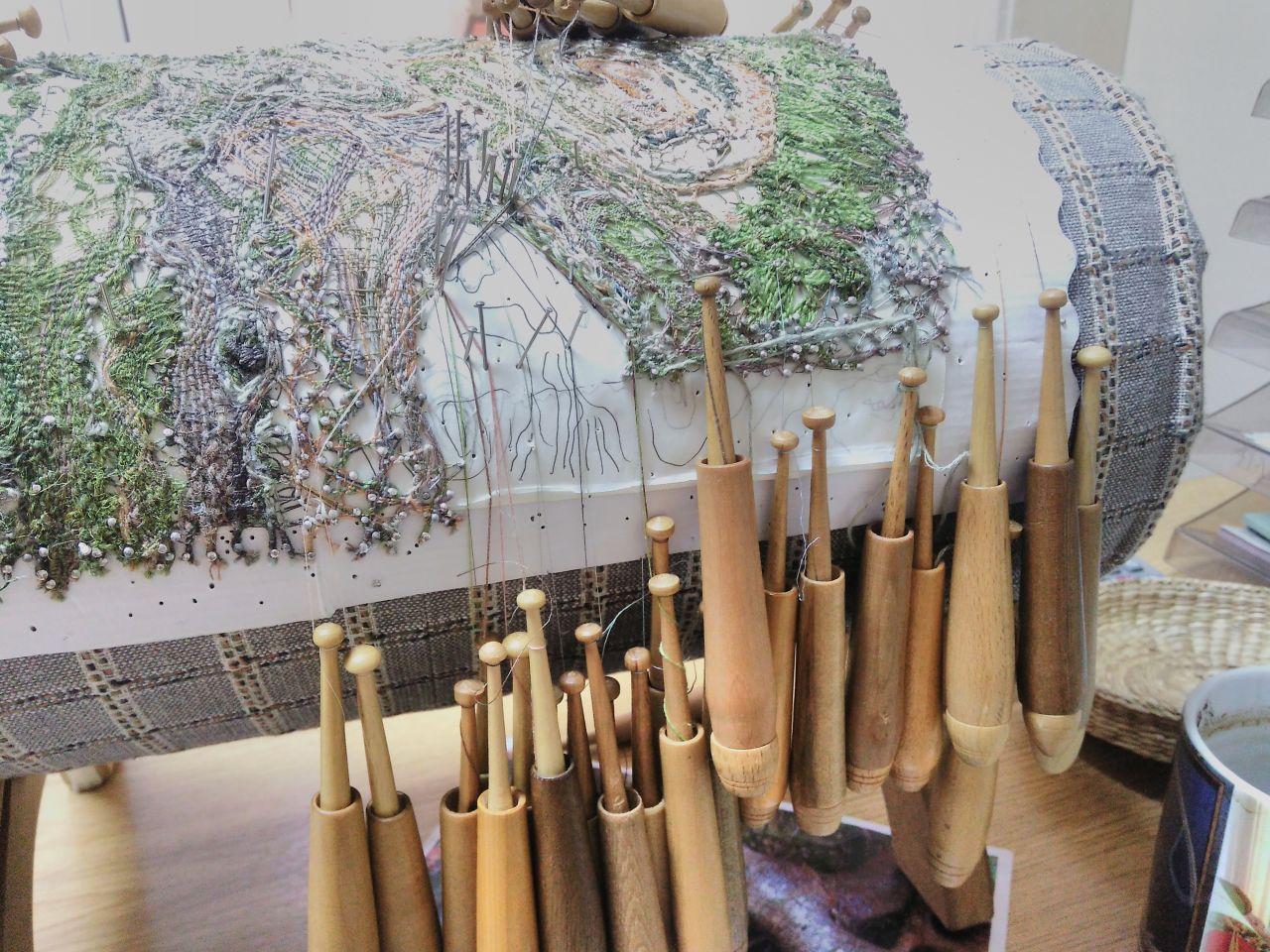 Improvisation in Lacemaking     http://dpio.ru/arxiv/v1/v10_1.htm