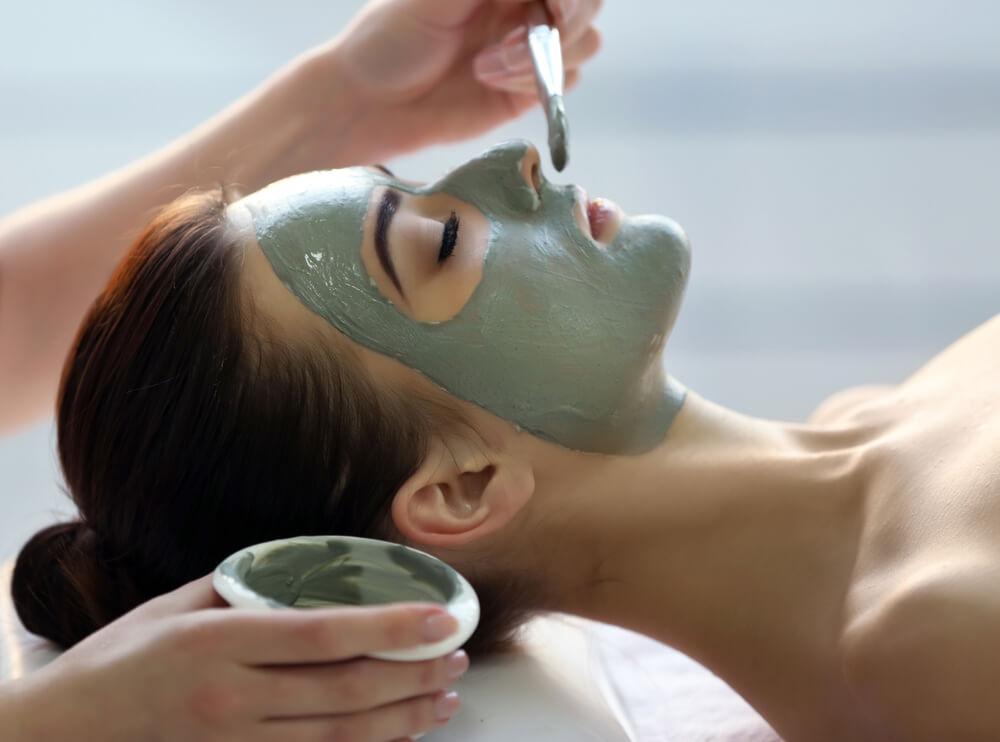 Възстановяващи маски за лице