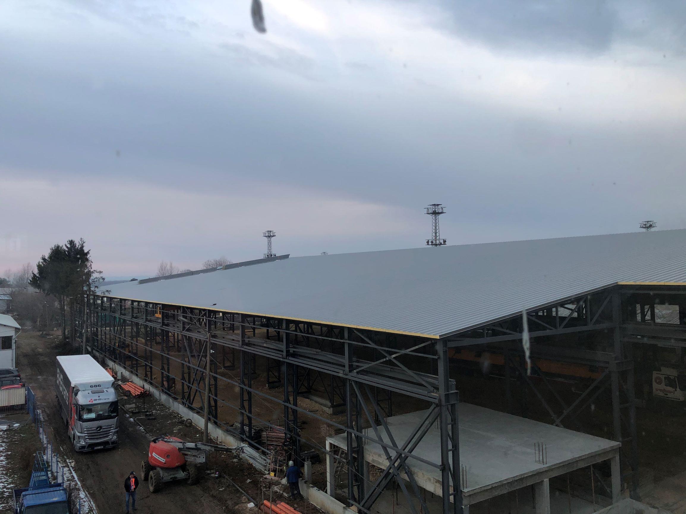 Покривът е почти готов