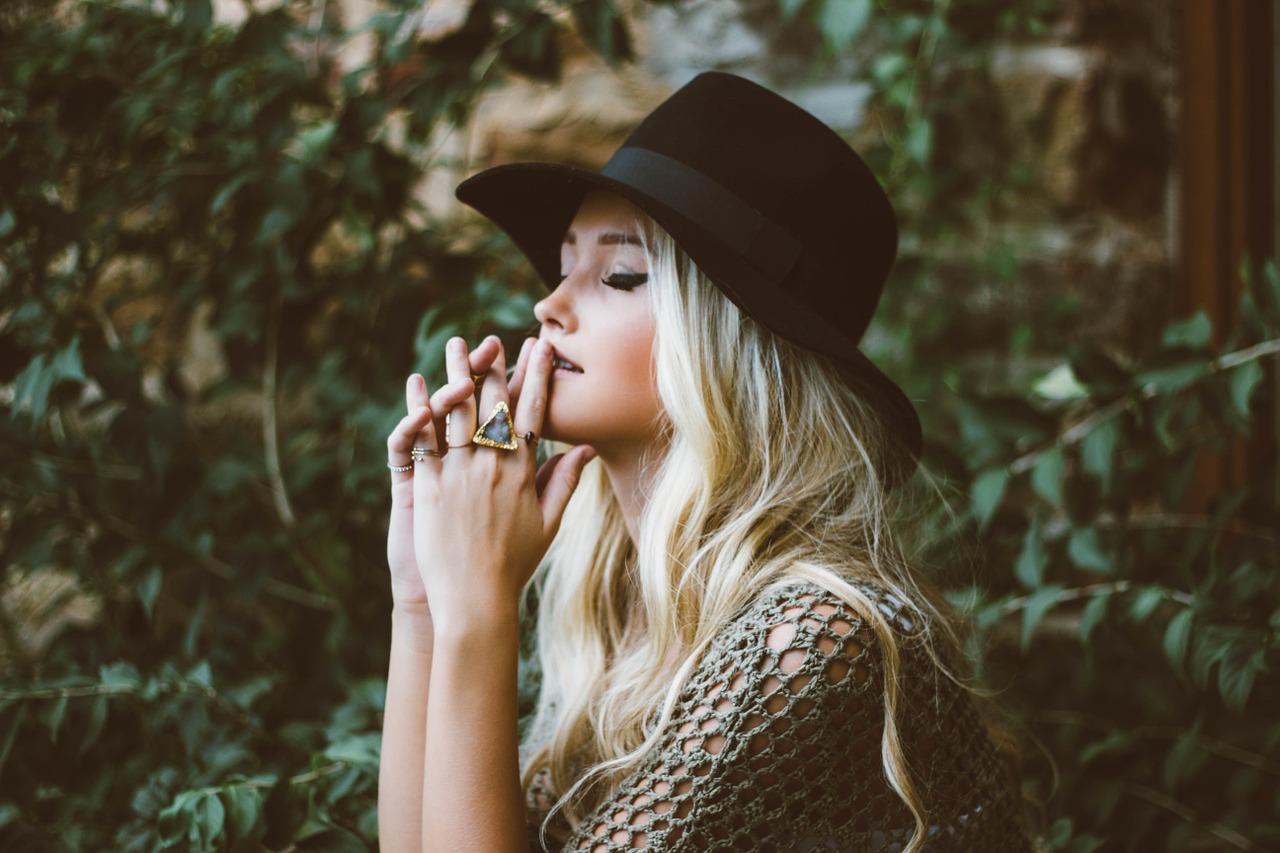 Защо не чуваме себе си и как да възстановим връзката си с Истинския ни Аз?
