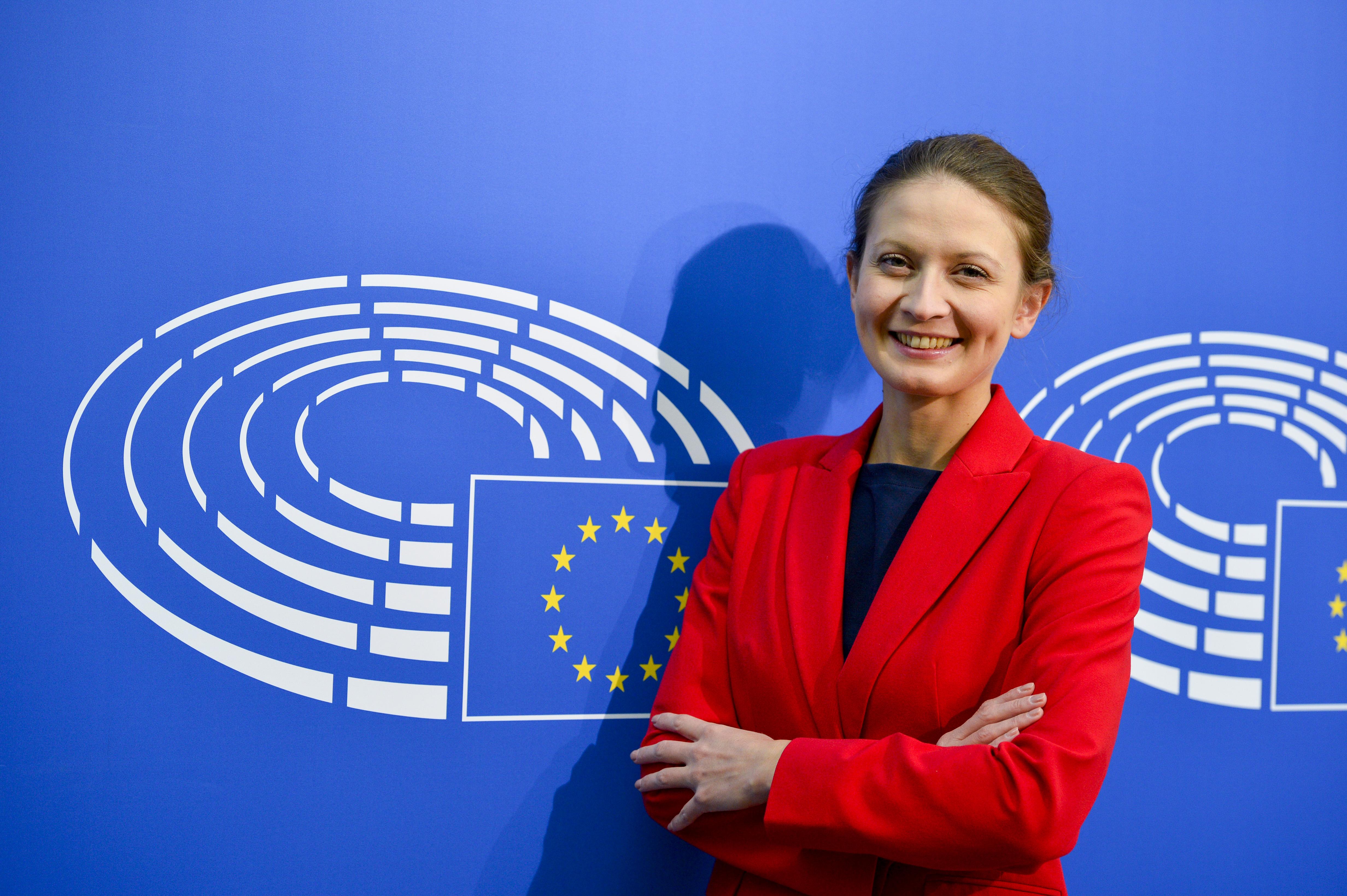 Цветелина Пенкова: Казусът със сезонните работници създава дискриминационна практика, което е недопустимо в рамките на ЕС